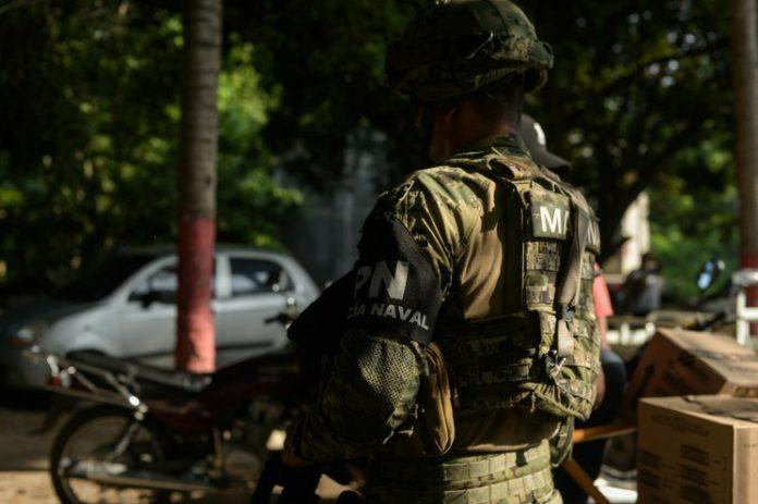 Militarizar