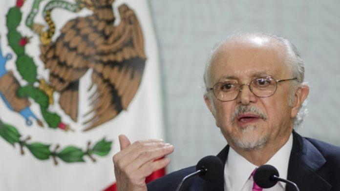 Mario Molina pide invertir en energías renovables