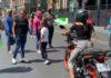Comerciantes ambulantes piden dinero