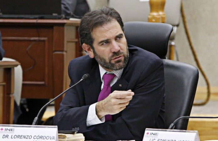 Lorenzo Córdova defenderá atribuciones del INE
