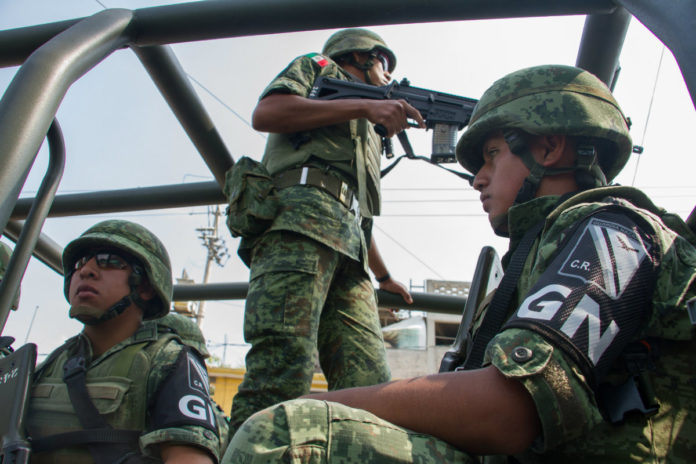 Admiten a trámite amparos contra militarización