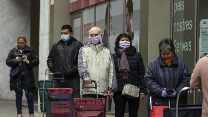 España obliga a usar mascarillas