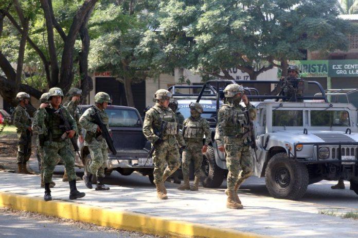 Presidencia defiende su acuerdo de militarización
