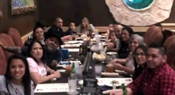 Ciudadano texano organiza fiesta ignorando el COVID
