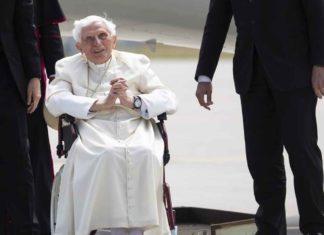 """Rechaza Vaticano que Benedicto esté """"muy enfermo"""""""