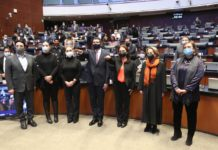 Rinden protesta comisionados del INAI