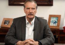 Fox denuncia engaño y rezago en vacunación